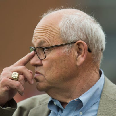 Tennessee athletic director Phillip Fulmer watches