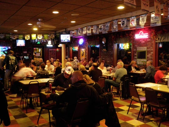 Customers dining at Klee's Bar and Grill on the Boulevard