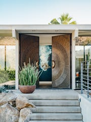 Nestled atop boulders in the Mesa neighborhood of Palm Springs, On The Rocks stands as a modern gem with eccentric touches – the ultimate luxury Airbnb.