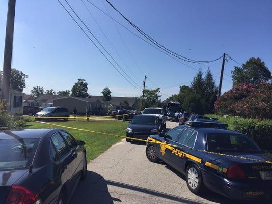 _media_2015_09_01_CarolinaGroup_Greenville_635767018157826049-death-investig (2)