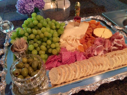 Assorted appetizers are served before dinner.