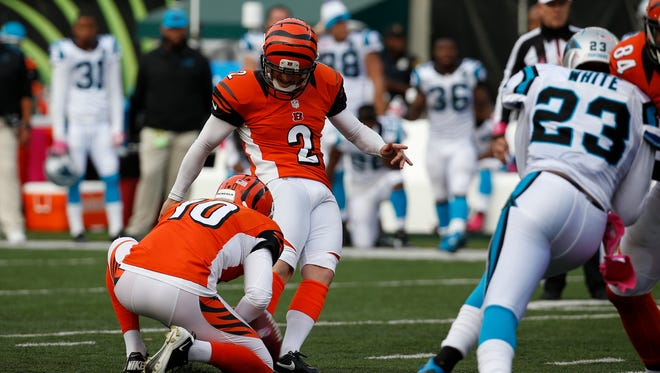 Bengals kicker Mike Nugent misses a field goal that would've won Sunday's game against the Carolina Panthers.