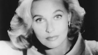 Lola Albright, a quintessential '50s glamor girl, died March 23, 2017, at age 92.