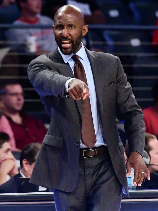 Pelicans_Hawks_Basketball_44016.jpg