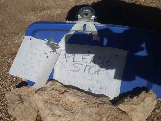 Amber Vanhecke of Texas left a note for rescuers when she was stranded in a remote area near the Grand Canyon.