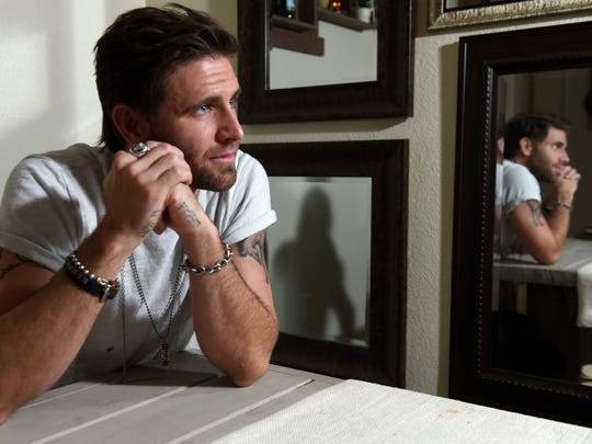 """Canaan Smith's first No. 1 song, """"Love You Like That,"""""""