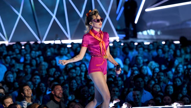 Miley Cyrus performs onstage during the 2017 MTV Video Music Awards at The Forum on August 27, 2017 in Inglewood, California.