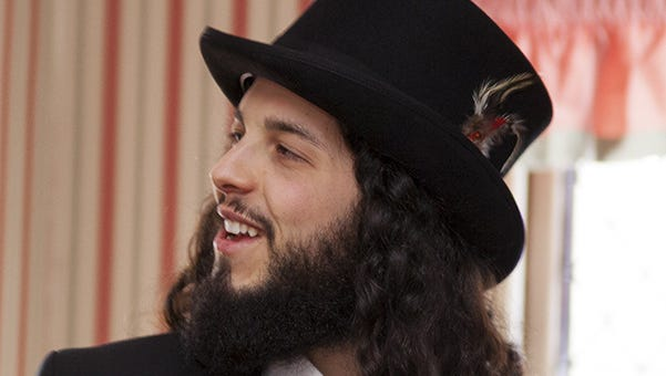 Ari Lesser is among the artists playing at the Desert Gathering Jewish Music Fest.