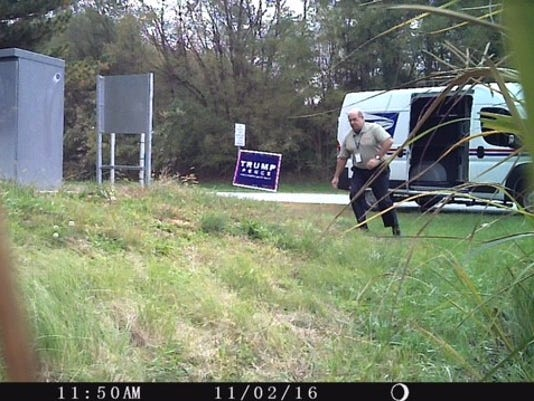 636139578213959842-trump-sign-removed.jpg