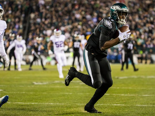 Eagles wide receiver Nelson Agholor makes a reception for a touchdown in the second quarter of an NFL game between the Philadelphia Eagles and the New York Giants at Lincoln Financial Field in Philadelphia, Pa. on Thursday night.