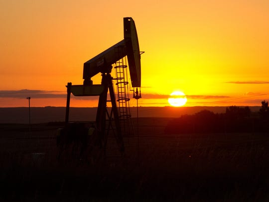 Oil prices plummet as OPEC decides against output cut