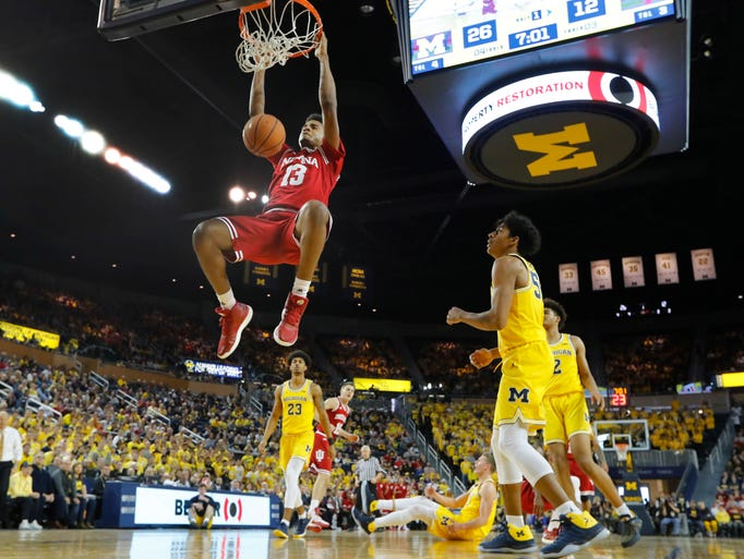 Indiana forward Juwan Morgan (13) dunks against Michigan