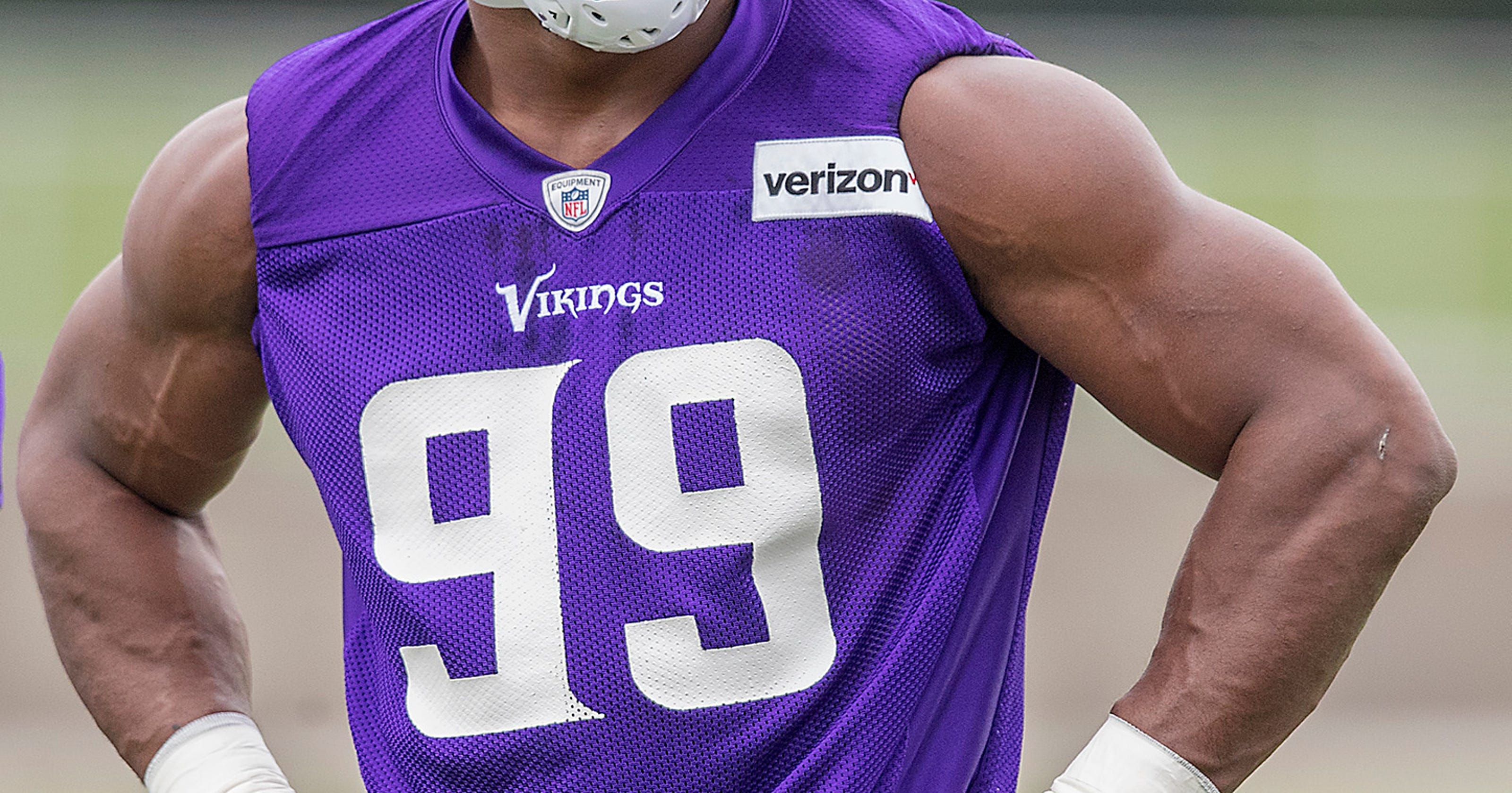 Vikings agree on contract extension with DE Danielle Hunter eb9155700