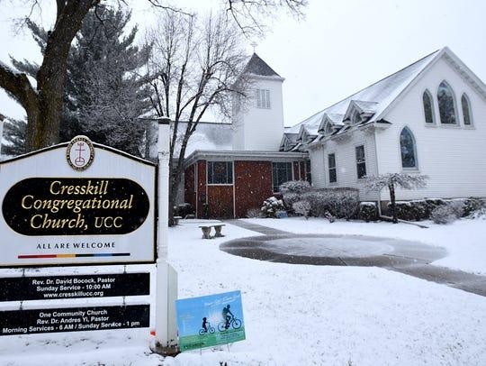 Snow falls on Cresskill Congregational United Church