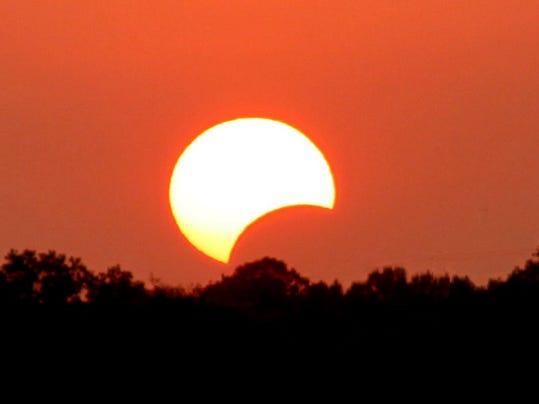 eclipse052012_Alarge.jpg