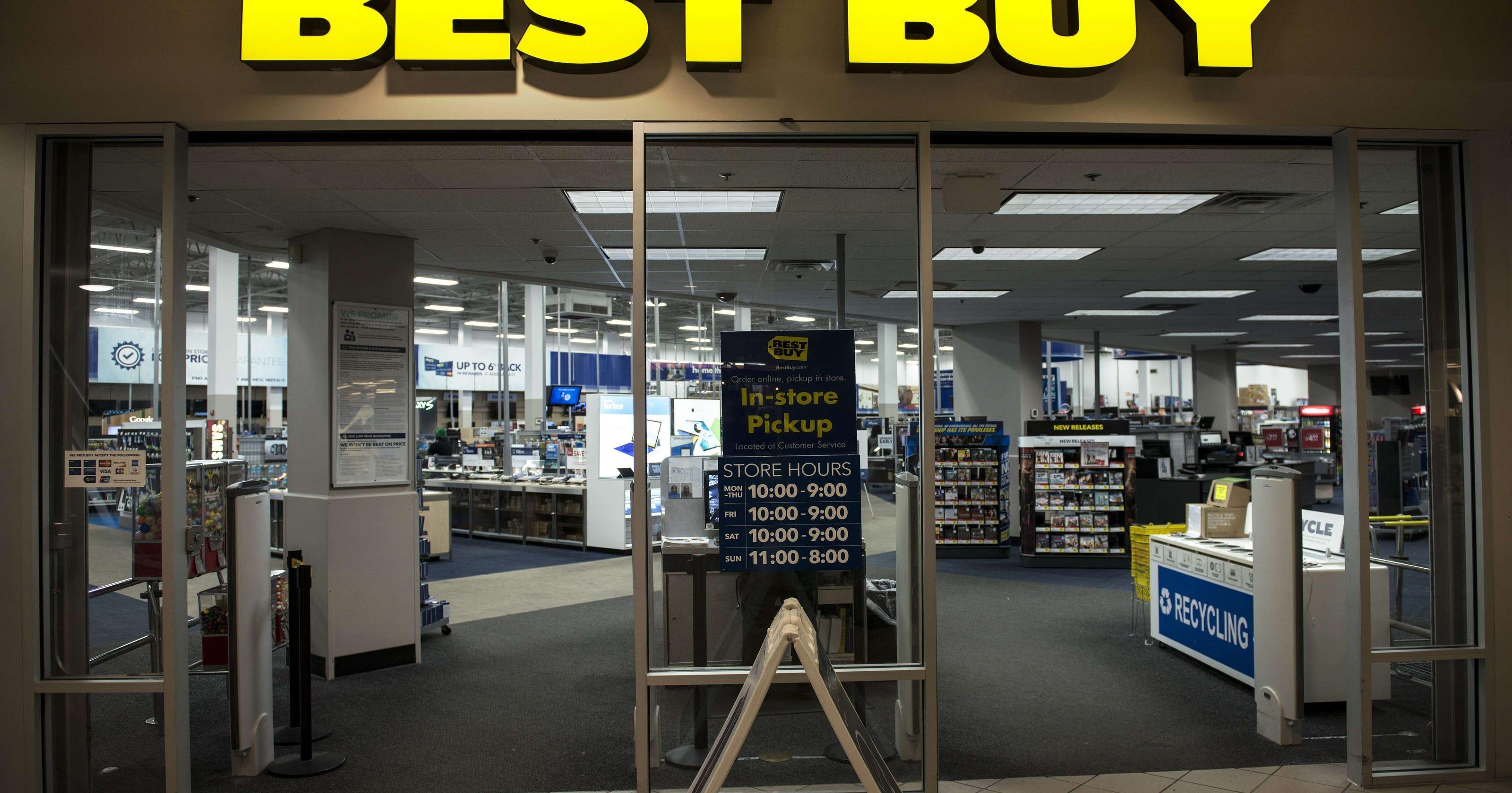 ad1001a02 Best Buy online sales soar