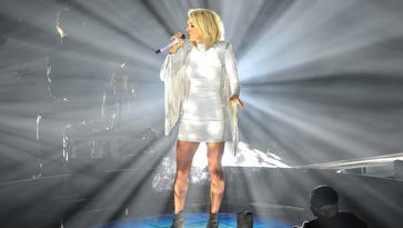 Carrie Underwood at home in the spotlight