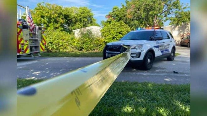 Delray Beach police found a homeless woman dead after firefighters put out a blaze at an abandoned home.
