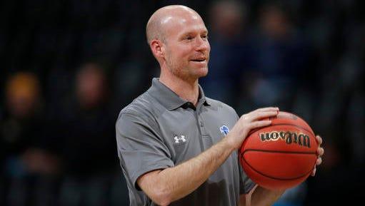 Seton Hall coach Kevin Willard reportedly made $1.4 million during the program's banner 2015-16 season.