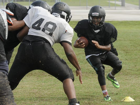 High School Football: Bayside football practice