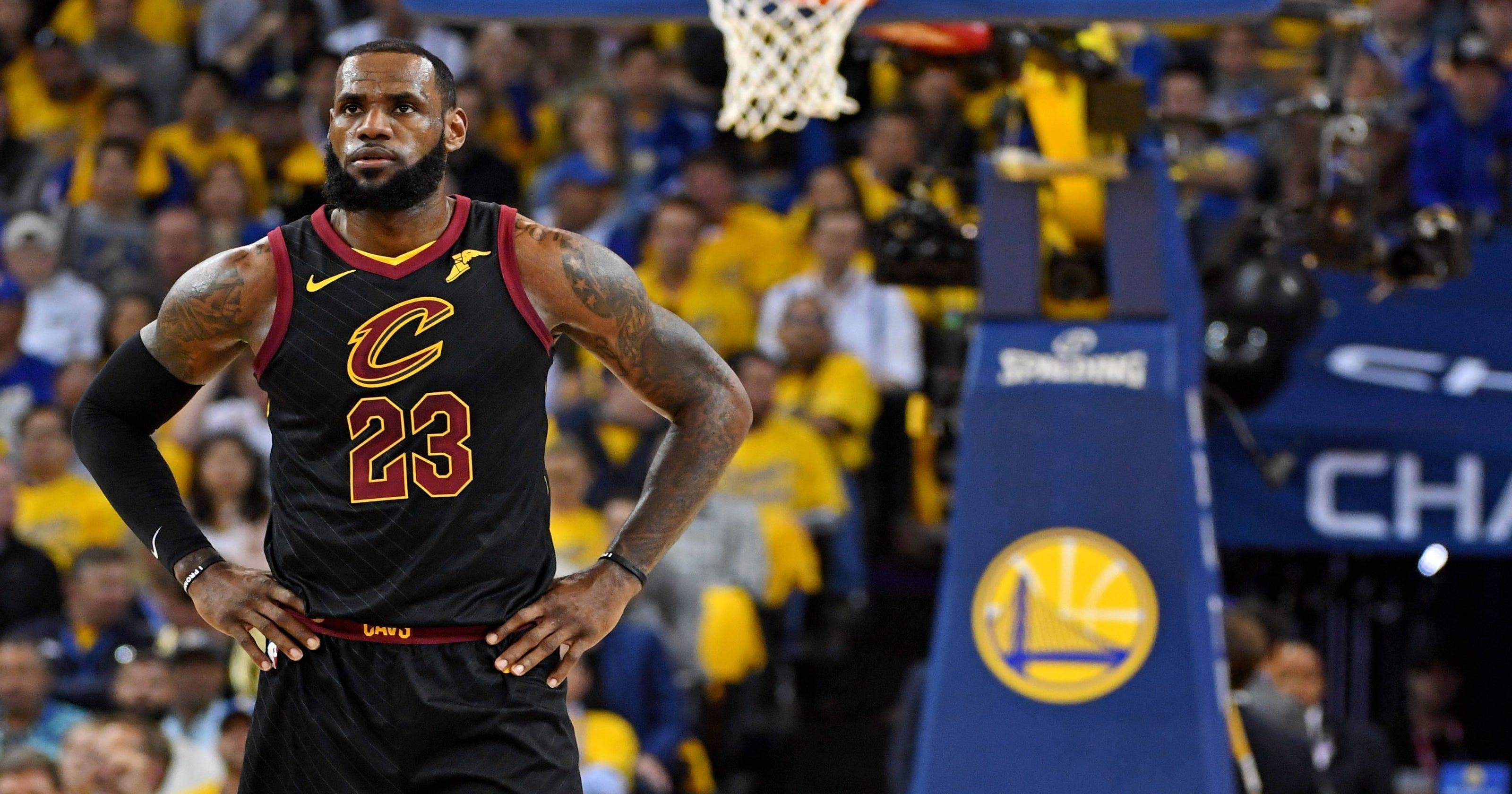 Kobe praises LeBron's teammates: 'He has some good talent'