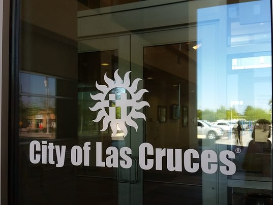 635781884708600101-20150918-LasCruces-cityhall-sign-3