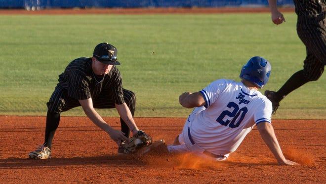 Dixie High Baseball Takes on Desert Hills Tuesday, March 4, 2017.