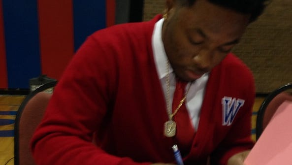 Woodlawn's Tre Youngblood signs with Arkansas-Monticello