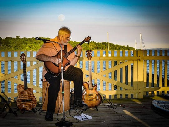 Perth Amboy Artworks' free moonlit Live at the Ferry
