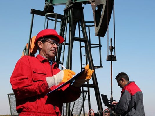 17_06_07-petroleum-enginer-at-an-oil-well_bhp_xom_rdsb_cvx_bp_tot_e_gettyimages-625703160_large.jpg