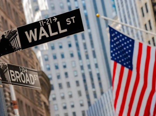wall-street-1-gettyimages-962938042_large.jpg