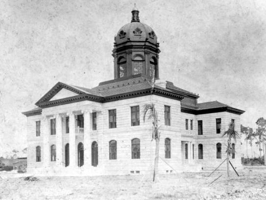 The 1904 new Dade County Courthouse in Miami constructed,
