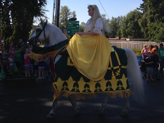 Royal ride during the 2014 Aumsville Corn Festival.