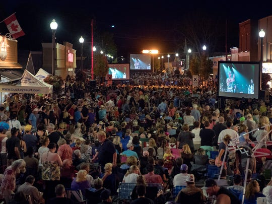 Fans gather on Bolton Street in Bobcaygeon, Ontario