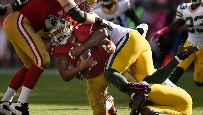 49ers quarterback Colin Kaepernick was sacked 6 times by the Packers' defense.