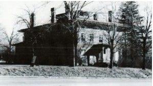 Gideon Cobb built a 22-room brick mansion/tavern near what is now known as Cobbs Hill.