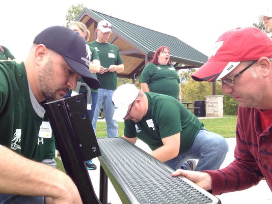 Photo 1 -- packers vets project