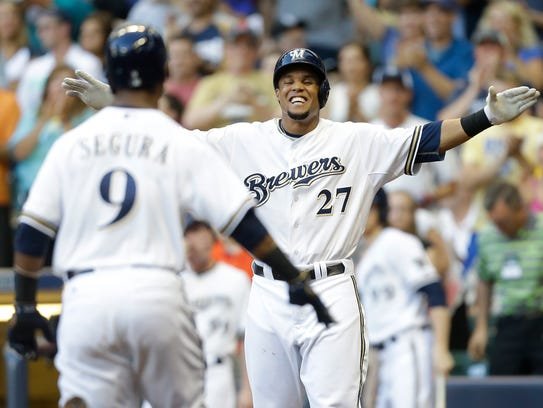 Jean Segura (9) of the Milwaukee Brewers runs the bases