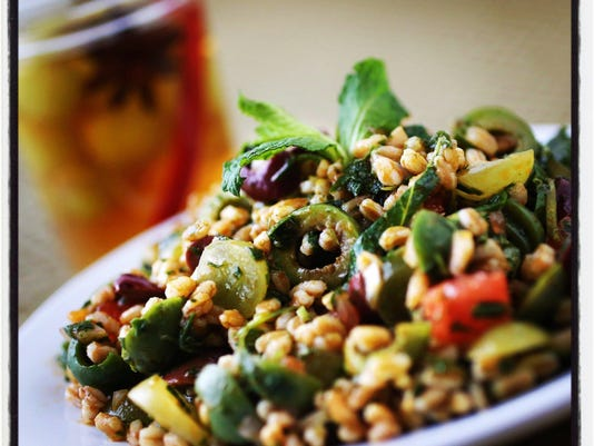 farro salad with grapes