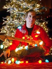 Glen Burtnik will bring his annual Xmas Extravaganza