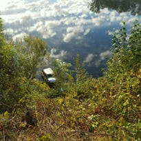 SUV lands in Willamette River west of Salem