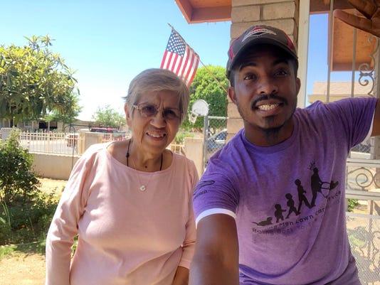 Rodney Smith Jr. takes selfie with Phoenix resident