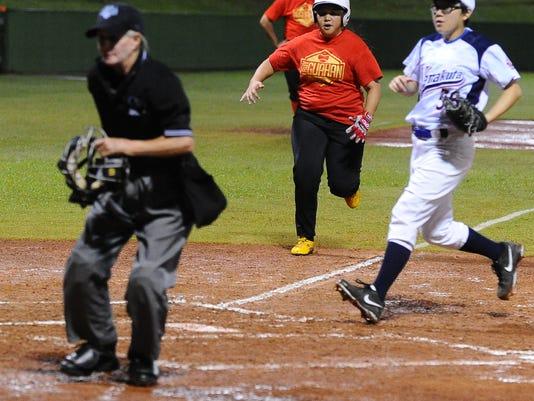 635750474306688579-Womens-Baseball-16