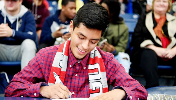 Roberson's Christian Chávez signs to play soccer at