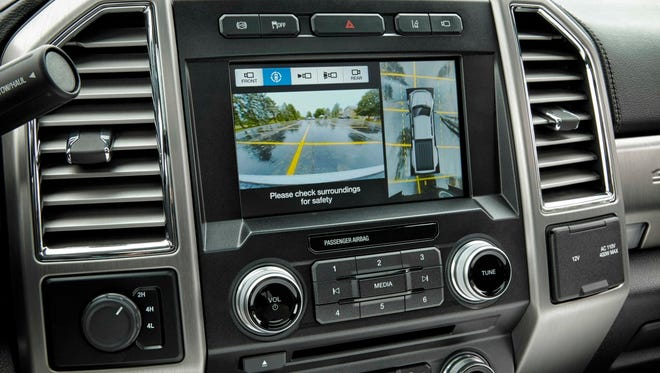 The 2017 Ford F-450 Super Duty Platinum Crew Cab 4x4 has an infotainment system featuring Sync 3, powered by QNX software