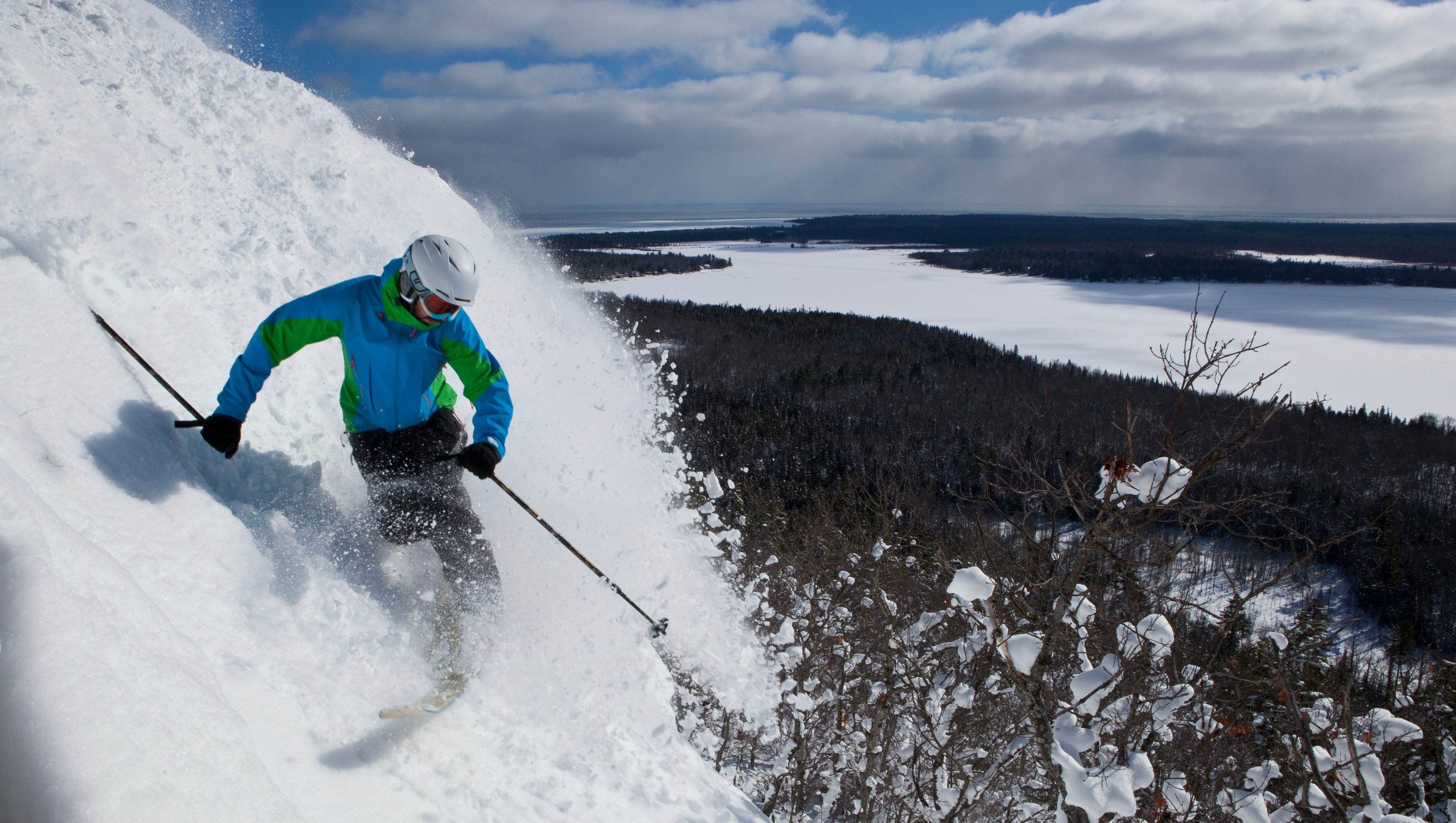 check out 10 of the top michigan downhill ski resorts