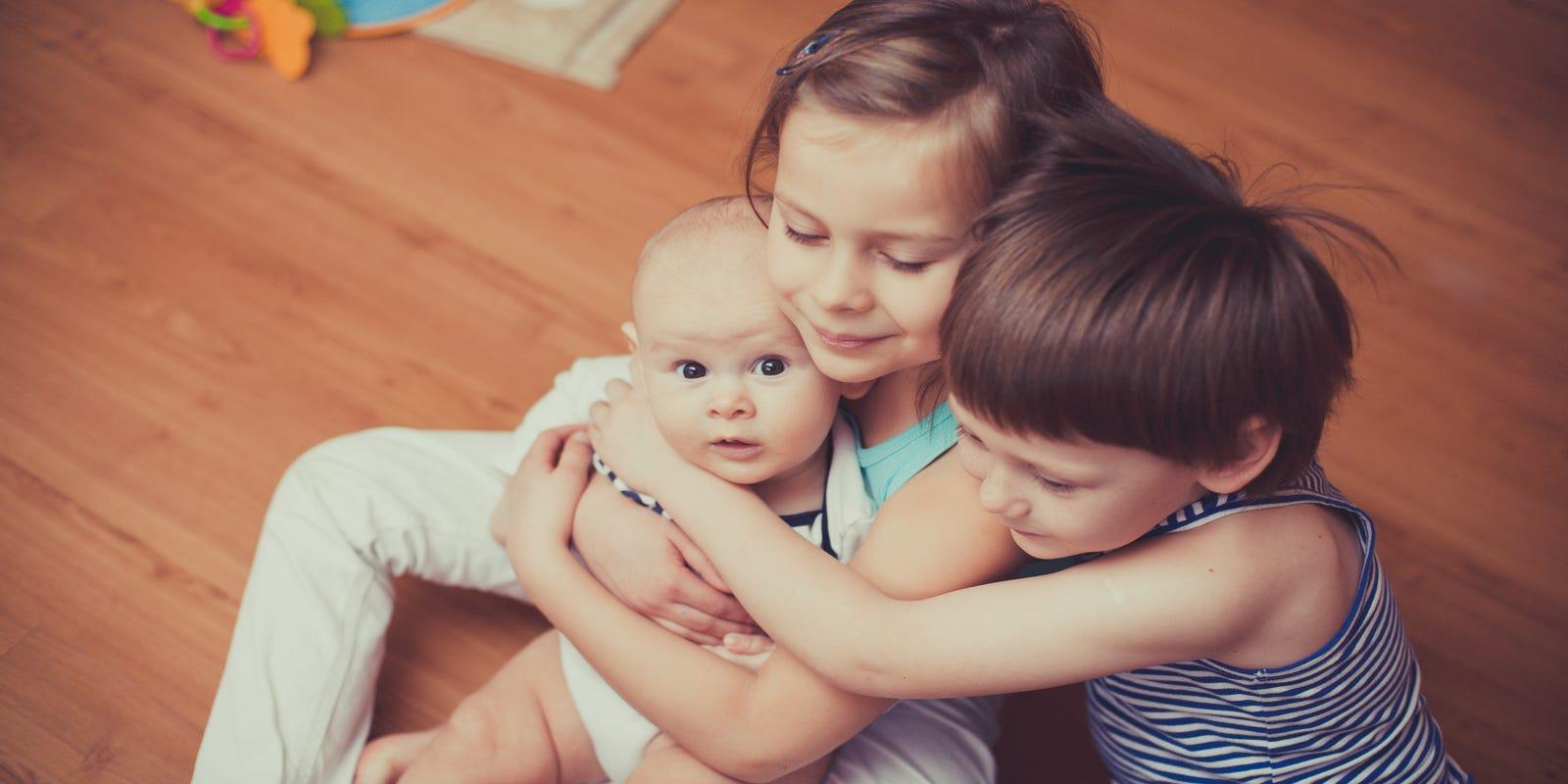 Секс брат и сестра на дому смотреть бесплатно, Брат и сестра русский инцент: порно видео онлайн 27 фотография