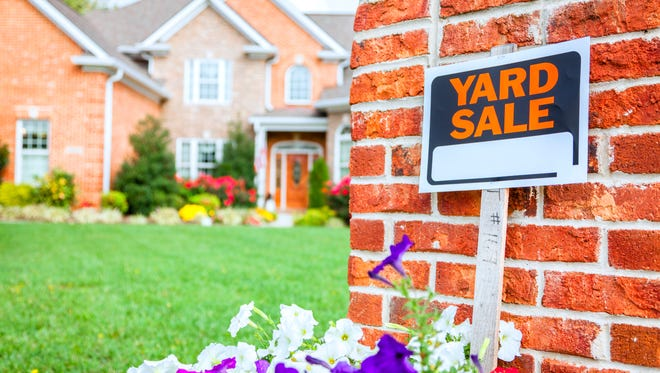When the weather turns warmer, signs for garage sales start springing up like dandelions. And with good reason, since spring cleaning and selling your lightly used items go hand in hand.