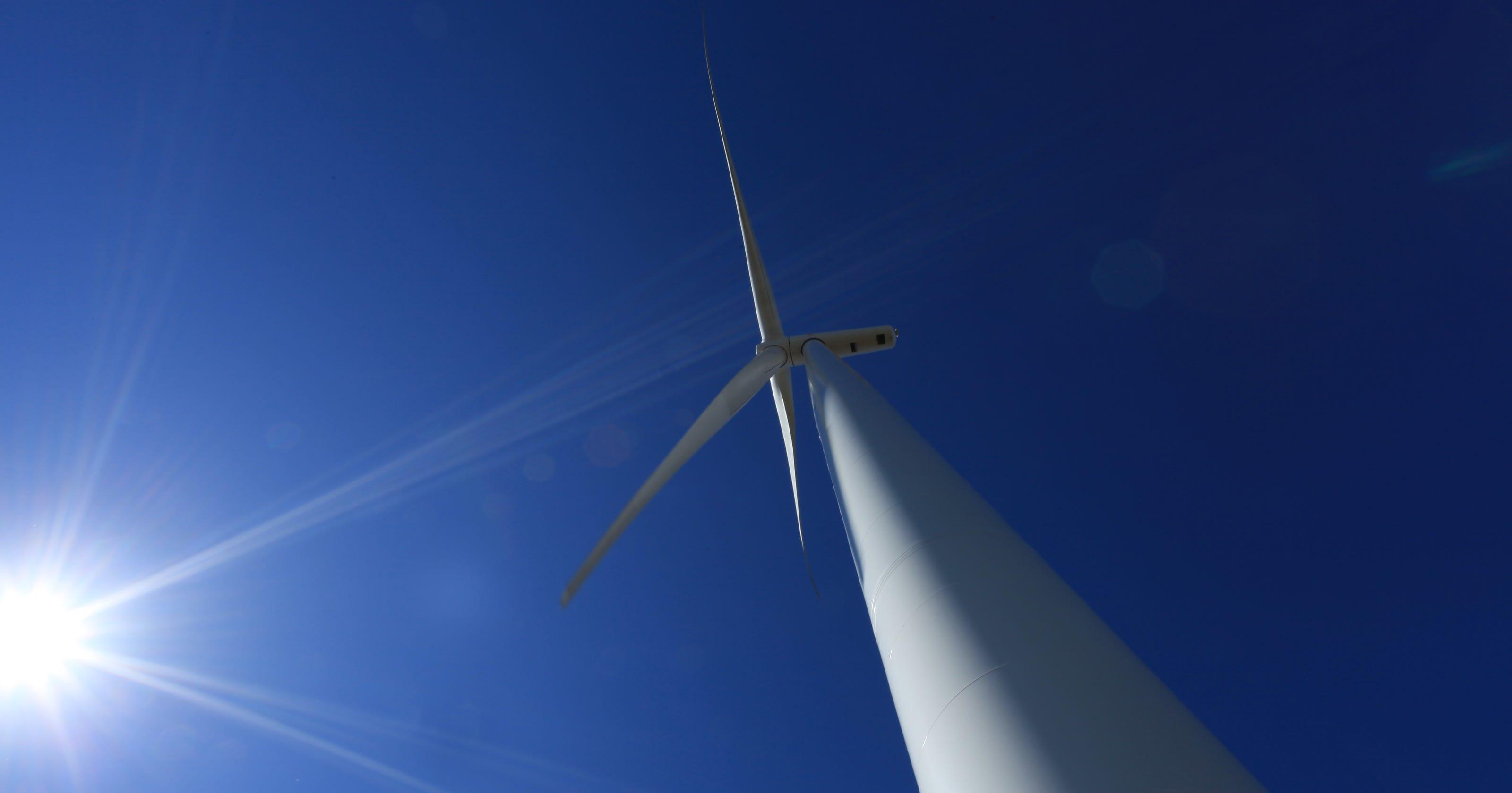 Midamerican Energy Co Announces Central Iowa Wind Farm