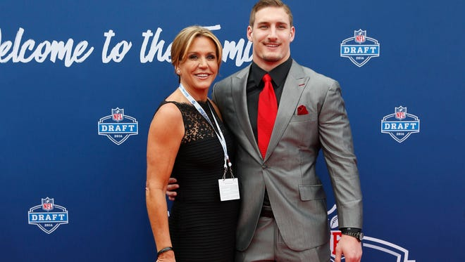 Joey Bosa (Ohio State) arrives on the red carpet before the 2016 NFL Draft at Auditorium Theatre.